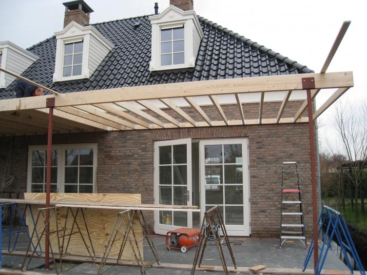 Terrasoverkapping veranda overkapping terras van vrijstaande woning aannemersbedrijf - Terras van huis ...